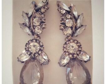 Pretty Vintage Glass Crystal Rhinestone Earrings