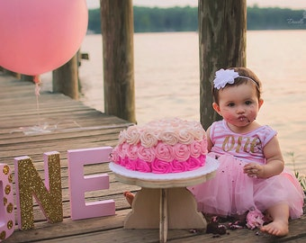 Cake Smash Cake Stand / Photography Prop