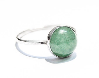 Handmade Aventurine ring, sterling silver, 10 mm gemstone ring, hammered stacking ring