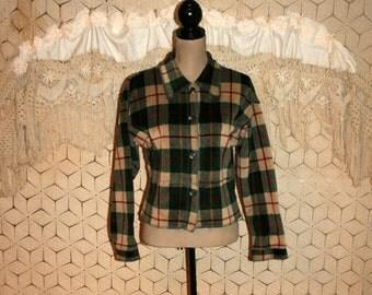 Vintage Plaid Shirt 90s Grunge Oversized Cropped Long Sleeve Green Red Beige Fall Winter Button Up Plush Shirt Jacket Medium Womens Clothing