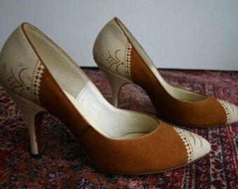 1950s 1960s Spectator High Heel Pumps - size 6 - 6.5