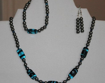 Silver and blue necklace set