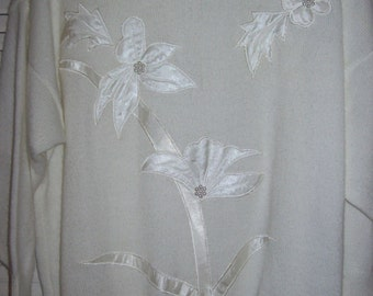 """Vintage White Satin on Knitted Sweater by Collections - Size 42"""". Beautiful !"""