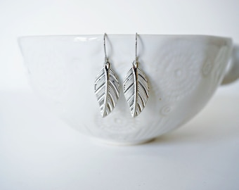 Small Silver Leaf Filagree Earrings