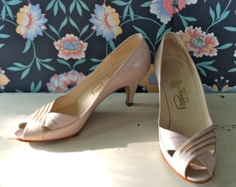 Vintage 70s/80s Pappagallo Leather Shoes / Open Peep Toe Pumps / High Heels / Made in Spain/ Size 6 Narrow