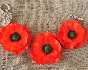 Poppy bracelet poppies red charm bracelet polymer clay jewelry gift for her red flowers red floral jewelry birthday gift wildflowers jewelry
