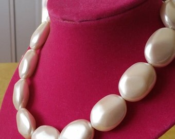 Vintage Chunky Pearl Necklace