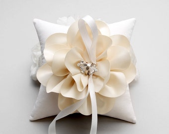 Ivory ring pillow, wedding ring bearer pillow, champagne ring pillow, wedding decor - Sellena