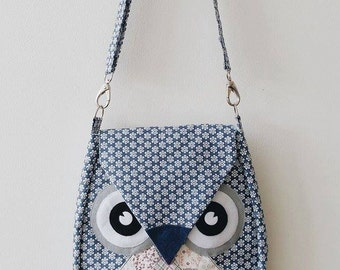 Pualine: Blue Flip Bag, Owl Bag, messenger bag, tote, animal, women, kid bag, children bag, fabric bag, girl bag, boy bag, quilt, blue bag
