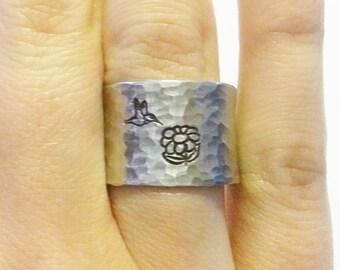 Hummingbird Ring - Flower ring - Hummingbird Jewelry - Bird Ring - Bird Jewelry - Wide Ring - Silver Jewelry - Silver Ring
