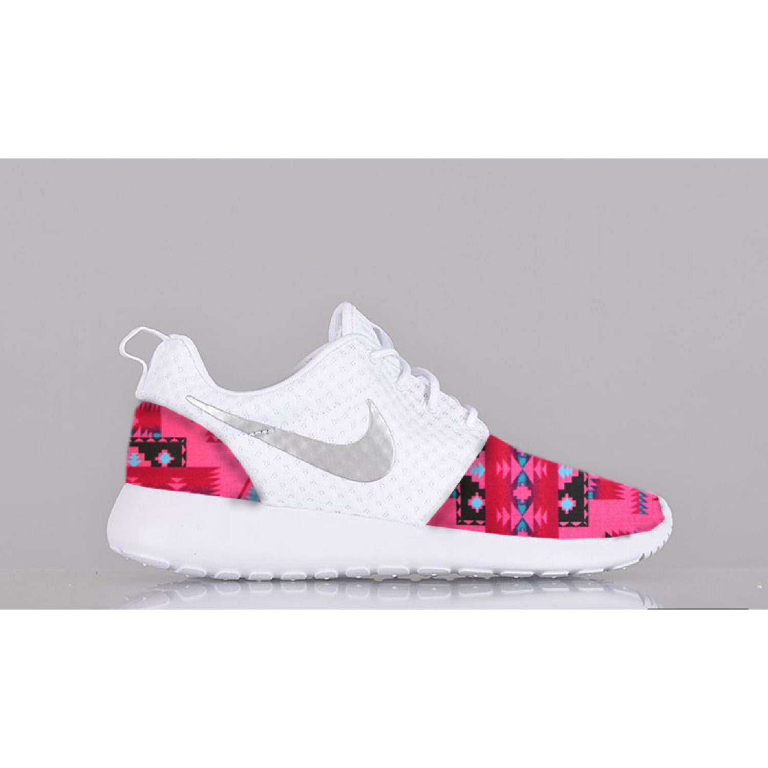 womens nike roshe run slip pink black