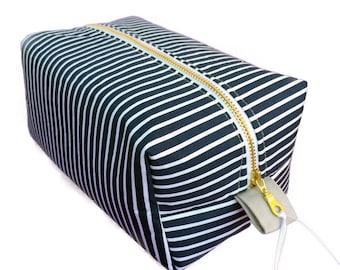 Mens Wet Bag, navy pinstripe case, large toiletry bag, pinstripe bag, travel bag, waterproof lining, quality bag, pinstripe travel case