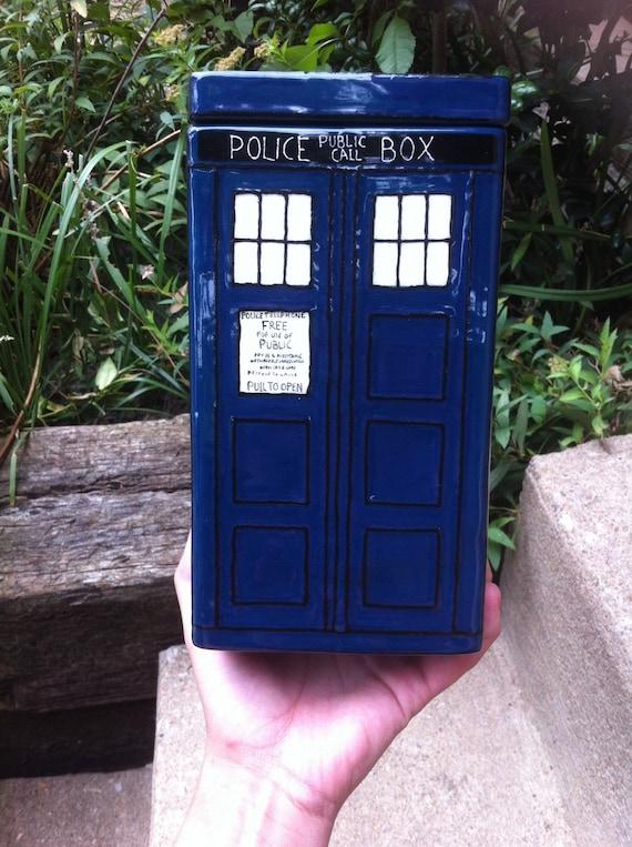 Doctor who tardis cookie jar cannister - Tardis ceramic cookie jar ...