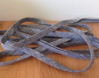 Kaufman Manchester Yarn-Dyed Chambray Bias Tape in Marine