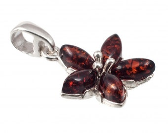 Silver pendant with cognac-color amber