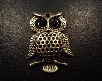Vintage Owl Pendant, Jewelry Parts, Destash Jewelry and Craft Supply