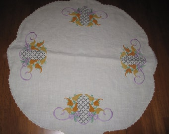 Vintage linen doily and table runner