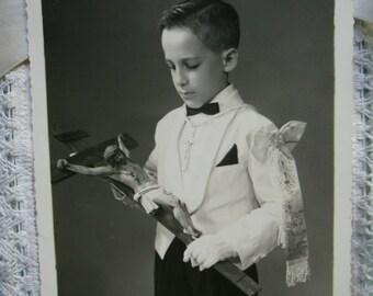Vintage Communion photography. Black and White. Ephemera. Collectible. 1950s. Vintage paper. Vintage Catholic. Vintage crucifix. Children .