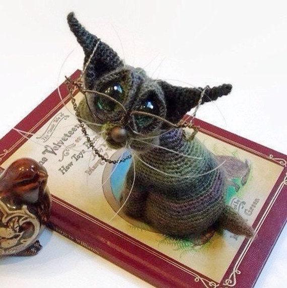 Crochet Amigurumi Siamese Cat / Crochet Knick Knack / Stuffed