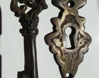 Antique vintage Ornate skeleton key and large escutcheon jewelry component