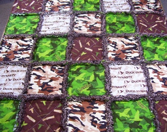 Baby Rag Quilt made from Duck Dynasty fabric, baby Rag Quilt, baby blanket, baby bedding, camo baby quilt, camouflage baby bedding