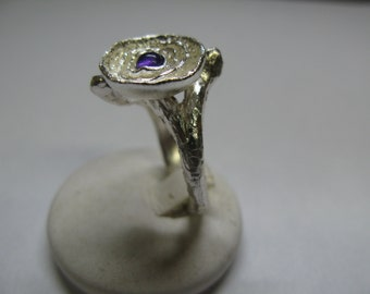 Silver 925 ring overlapping flowers handmade and Central Amethyst cabochon