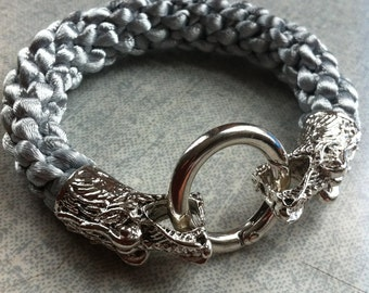 Dragon bracelet with spring clasp.20cm