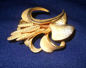 Vintage Brooch, BSK Jewelry, 3D Sculpted,  Costume Jewelry, Collectible Jewelry