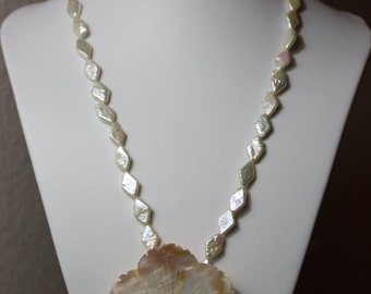 Shell and Fresh Water Pearl Necklace with Flower shell pendent