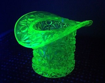 Vaseline glass top hat