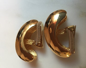 Vintage David Grau gold tone earrings