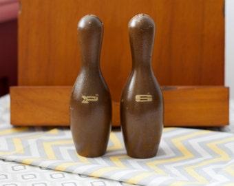 Salt & Pepper Shakers Wood Vintage Souvenir Bowling Ball Pins Bowling 1960's