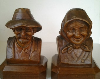Wood carving / Jed Clampett and Granny / old man and woman / Beverly Hillbillies