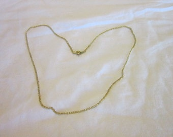Nice vintage Gold Tone 18 inch Chain Necklace