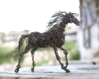 Upcycled Furniture, Horse Sculpture, Wire Art, Mini Horse, Animal Figurine, Brass Furniture, Wire Sculpture, Black Horse Gift, Wire Horse