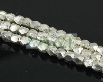 "HIZE SB498 Thai Karen Hill Tribe Silver Faceted Nugget Cube Beads 2mm (27 1/2"")"