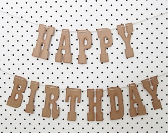 Country Western Cowboy themed HAPPY BIRTHDAY bunting banner sign 9cm high with timber texture and vintage edge - party decoration