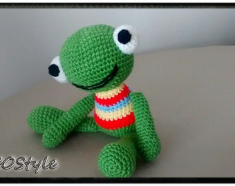 Green Frog/Hand made/fairtrade toys/child toys/kids toys/baby toys/soft toy/stuffed animals/infant toy/crochet toys/Gift