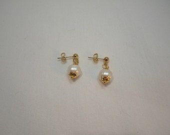 Gold and Pearl Earrings, Freshwater pearl earrings, Gold Plated earrings
