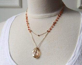 Collier Spirit multi-strand, gold-plated chains and chain Rosary carnelian pendant buddha Crystal