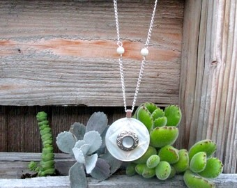 Necklace Pendant / Mother of Pearl
