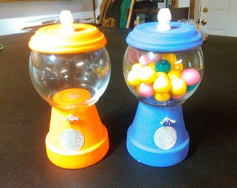 Fake gumball machines/ with removable lids