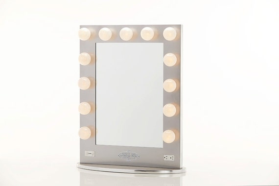 broadway lighted vanity mirror silver by hollywoodvanitygirl. Black Bedroom Furniture Sets. Home Design Ideas