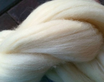 100% Natural Creamy White Wool~8 oz Wool Roving~Wool Fiber for Felting•Spinning•Dying•Stuffing~Undyed~Wool for DIY Crafts