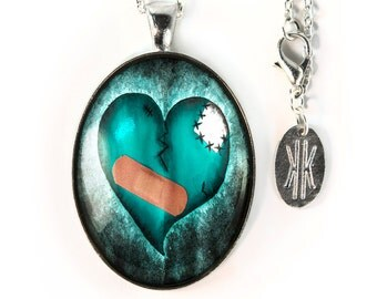 Large Silver Gothic Zombie Broken Heart Glass Horror Pendant Necklace 137-SLOPN
