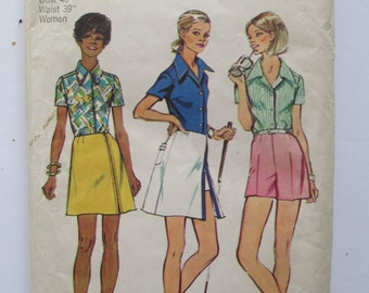 Vintage 1973 Simplicity Sewing Pattern #5663 Women's Blouse ,Skirt,and Shorts