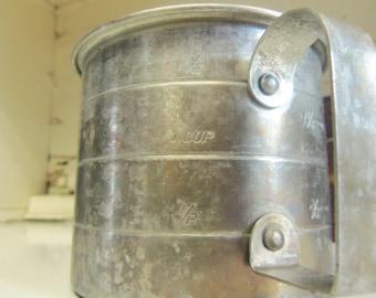 2 cup alluminum measuring cup