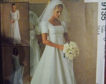 Sewing pattern McCall's 9135 Misses' bridal gown and bridesmaid dress new uncut size 8 to 12
