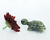 Vintage Turtle Miniature Hagen Renaker Retired Green Baby Coin Turtle #317 Flawed Adorable 1980's Figurine Miniature Animals off card