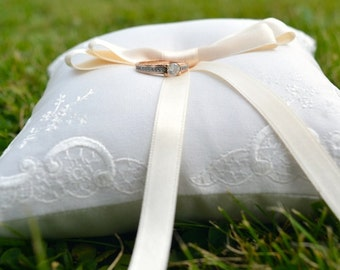 Wedding pillow, ring pillow, ring bearer pillow, embroidery, silk
